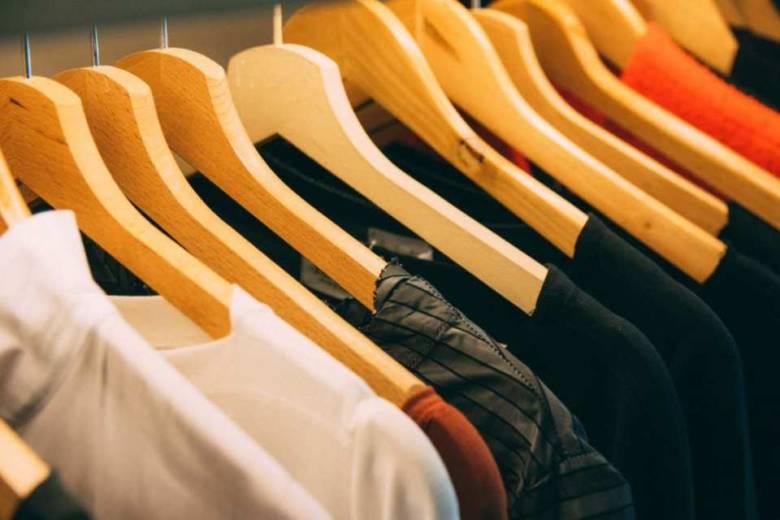服のサブスクとは?利用するメリットを解説