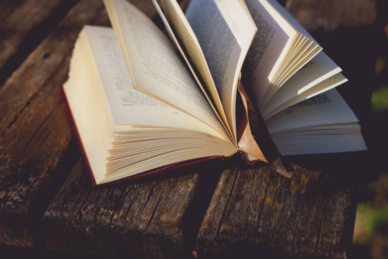 本はサブスクにしてお得&手軽に読書をしよう!
